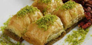 diyet-yaparken-baklava-yemek